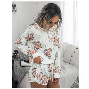 Tops - Floral sweater and short set